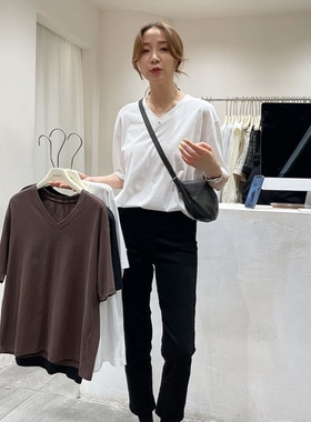 姬辰服饰女士上衣V领T恤减龄百搭时尚潮流女神舒适简约气质仙女
