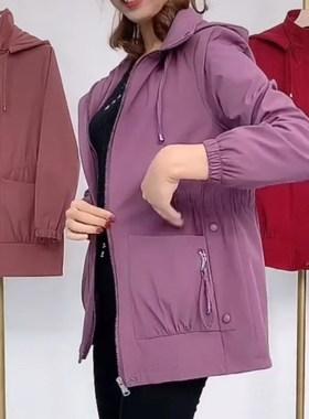 抖音三只樱桃服饰2021春季新款连帽风衣外套时尚百搭显示妈妈装潮