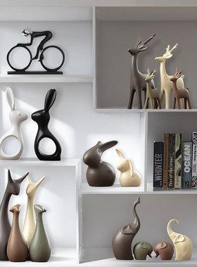 小摆件创意家居客厅电视酒柜玄关轻奢现代办公室北欧鹿工艺装饰品