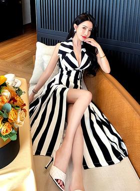 黑白条纹连衣裙2021新款夏季收腰a字双排扣西装领马甲裙女中长款