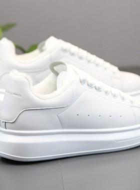 男鞋冬季加绒保暖潮鞋2019新款厚底增高小白鞋子男士休闲运动板鞋