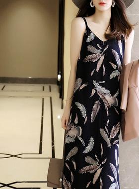 法式轻熟风吊带连衣裙宽松直筒沙滩裙雪纺小清新无袖碎花长裙女夏