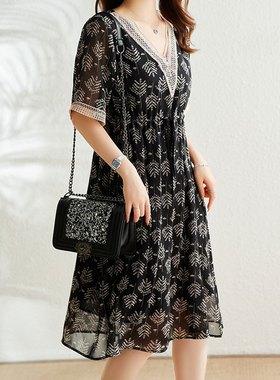 欧洲站大码新款印花雪纺V领连衣裙宽松胖妹妹MM衣品乐夏季2021年