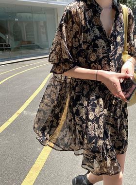 轻熟风雪纺碎花v领连衣裙女夏气质宽松收腰显瘦洋气法式复古裙子