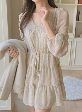 连衣裙女夏季甜美小众v领系带温柔风小碎花宽松长袖气质雪纺裙