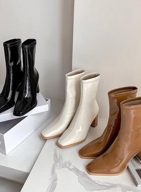 网红弹力瘦瘦靴中筒短靴子2021秋冬新款粗跟高跟漆皮白色马丁靴女