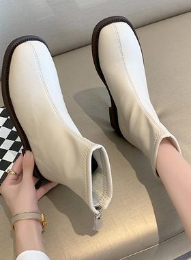小短靴女2021年新款春秋单靴平底软皮靴子白色短靴女瘦瘦靴马丁靴