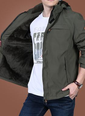 男士加绒加厚外套户外冲锋衣秋冬季棉服男装上衣中年冬装防风夹克